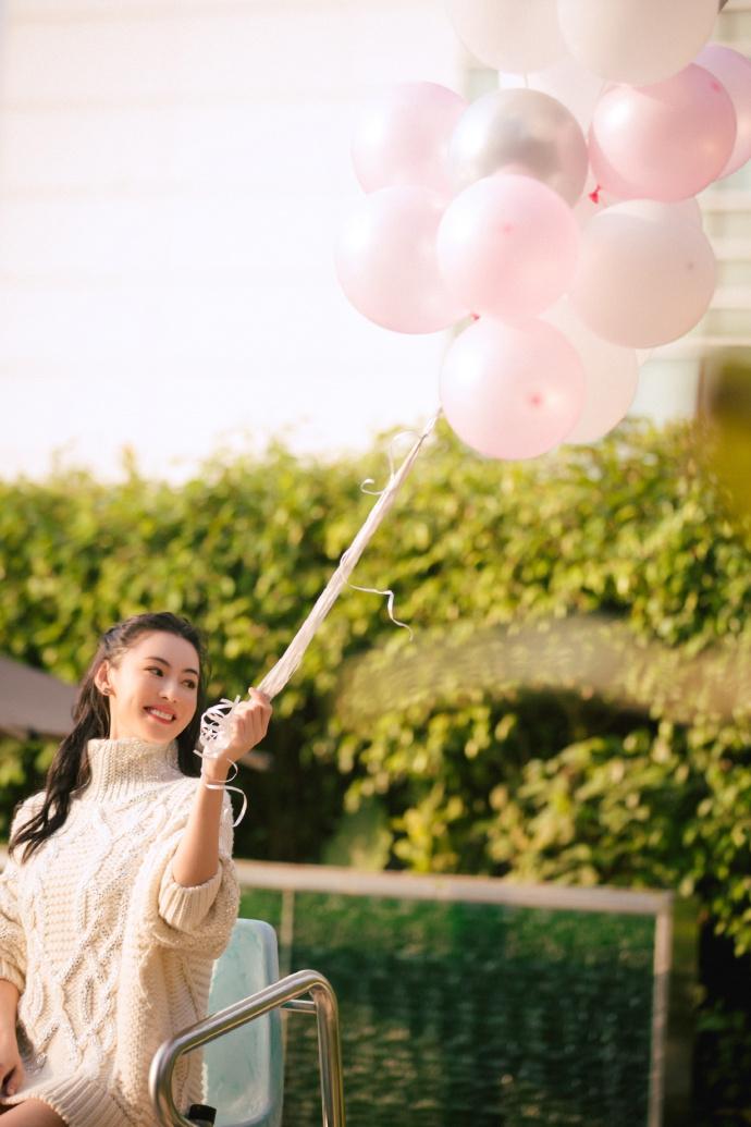 Bất chấp tuổi tác và lùm xùm sinh con thứ 3, Trương Bá Chi vẫn tự tin khoe vẻ đẹp ngọt ngào như thiếu nữ đôi mươi - Ảnh 4