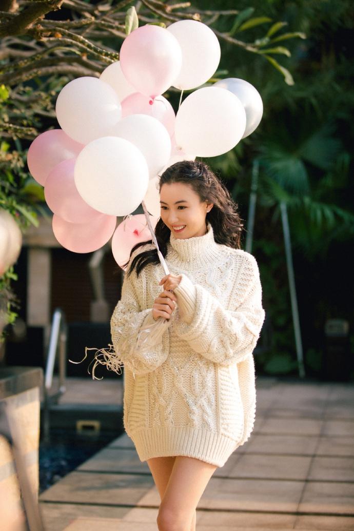 Bất chấp tuổi tác và lùm xùm sinh con thứ 3, Trương Bá Chi vẫn tự tin khoe vẻ đẹp ngọt ngào như thiếu nữ đôi mươi - Ảnh 5