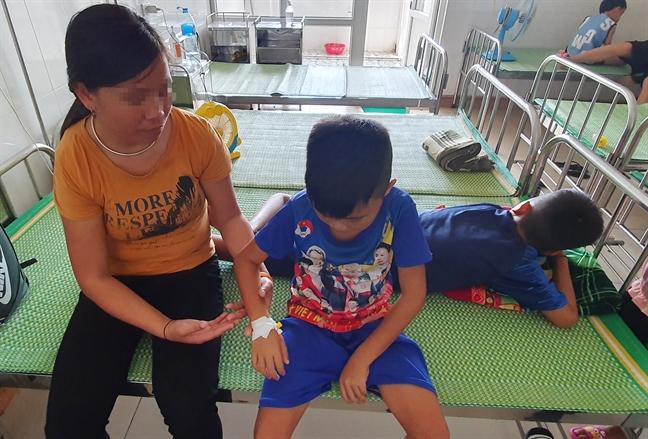 Những đứa trẻ nằm viện suốt đời từ hệ lụy hôn nhân cận huyết - Ảnh 1