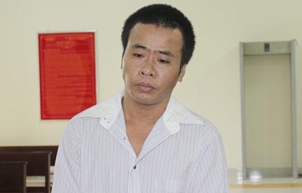 Người cha ở Bến Tre nhậu say về nhà đánh vợ, hiếp dâm 2 con gái ruột - Ảnh 1