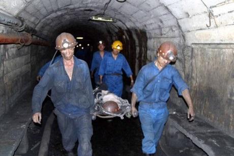 Tìm thấy thi thể nạn nhân mắc kẹt trong hầm lò sau sự cố bục túi nước - Ảnh 1