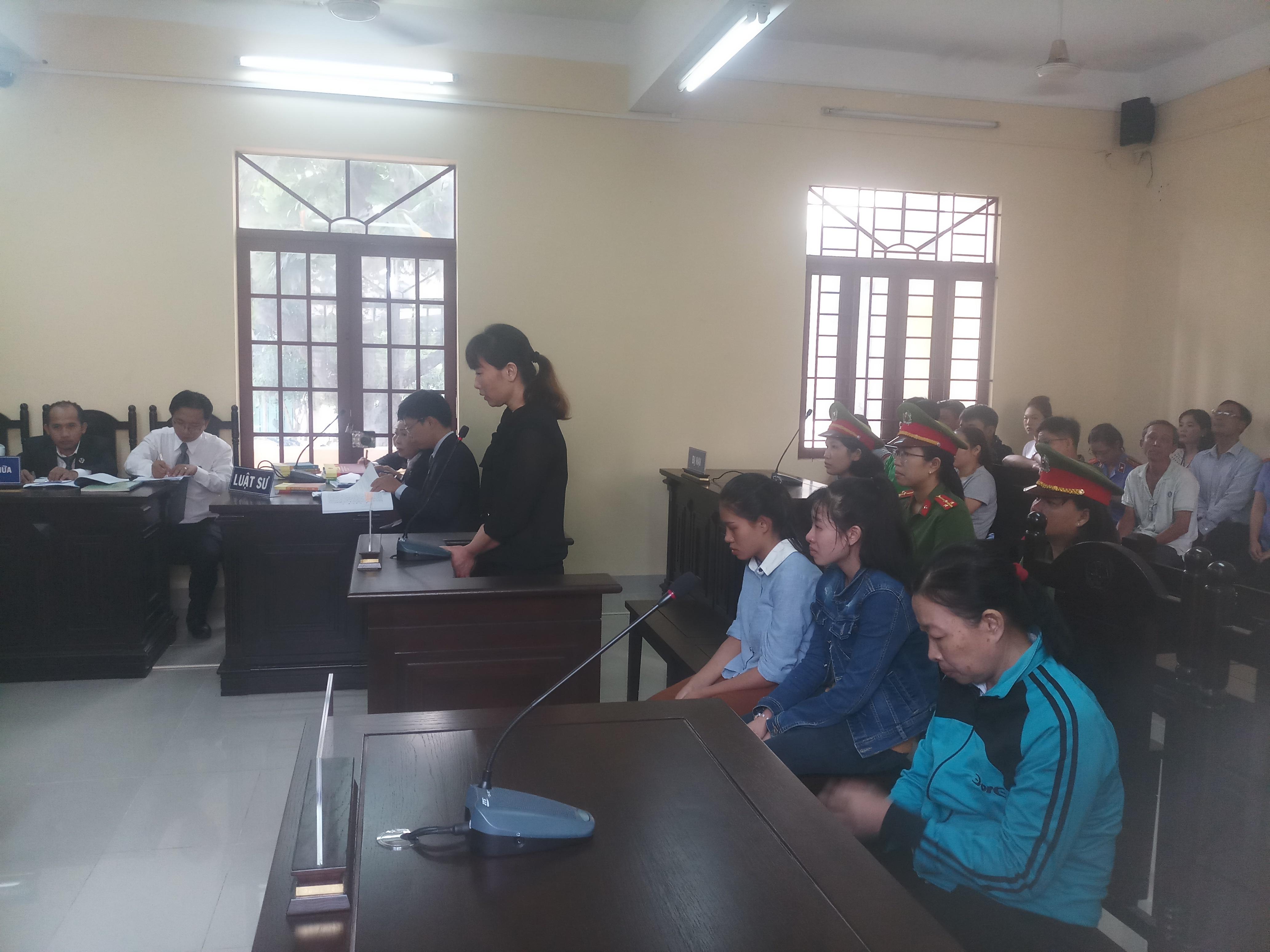 Tuyên phạt bảo mẫu bạo hành 24 trẻ tại cơ sở Mầm Xanh 3 năm tù - Ảnh 1