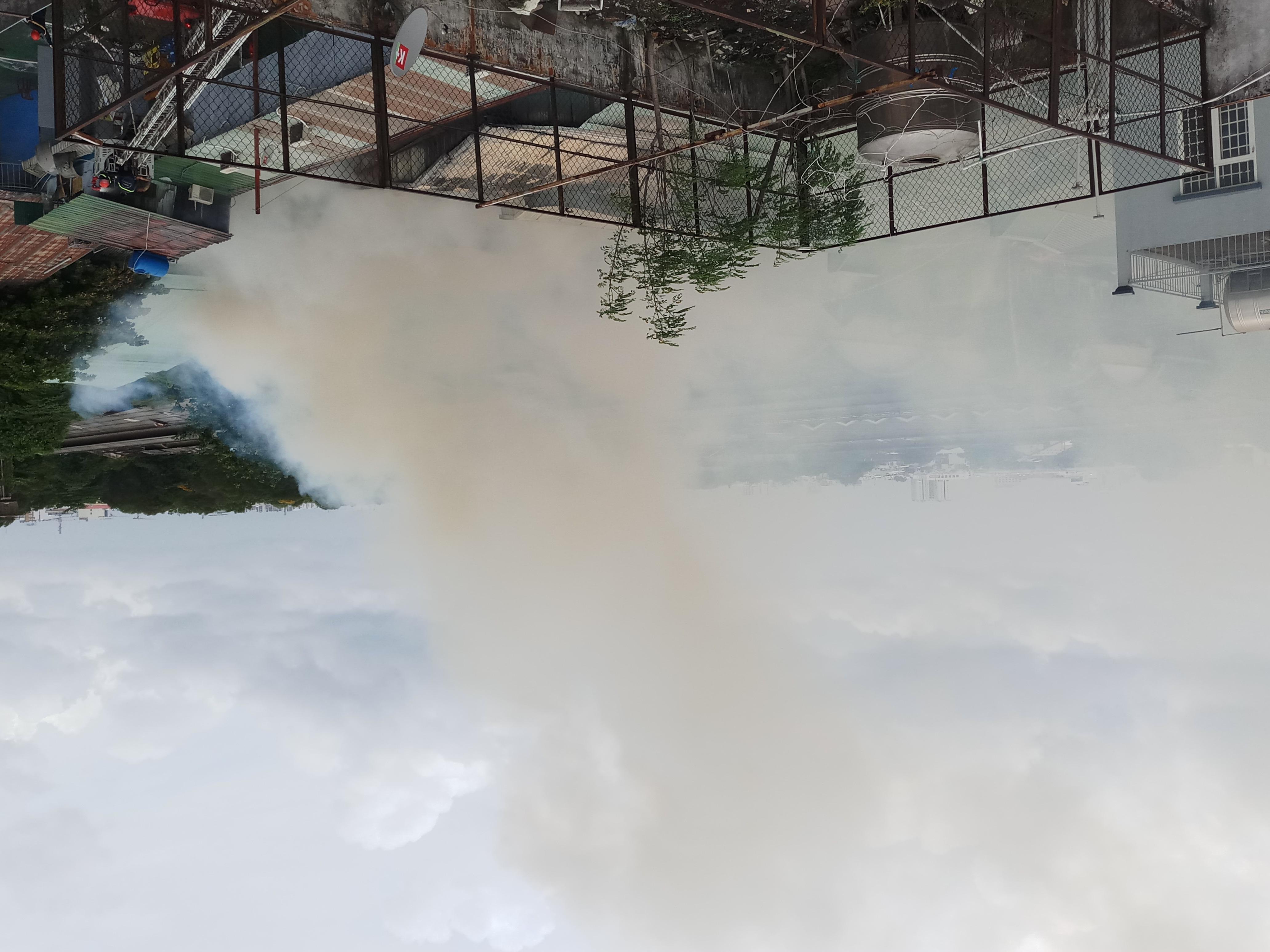 Cháy lớn thiêu rụi cửa hàng nội thất tại quận Tân Phú - Ảnh 2