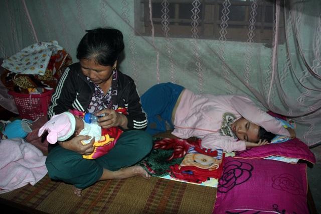Xót xa cảnh thiếu phụ trẻ suy sụp vì chồng bị ô tô cán chết, con gái 15 ngày tuổi khát sữa mẹ khóc lả từng ngày - Ảnh 4