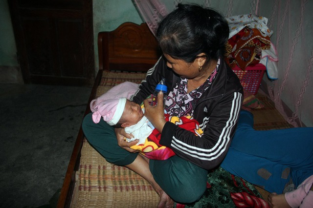 Xót xa cảnh thiếu phụ trẻ suy sụp vì chồng bị ô tô cán chết, con gái 15 ngày tuổi khát sữa mẹ khóc lả từng ngày - Ảnh 5