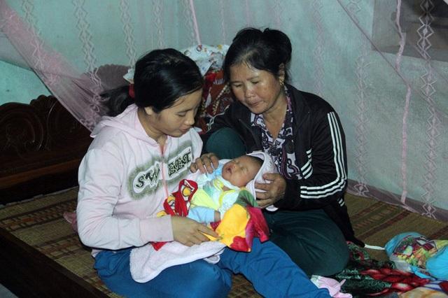 Xót xa cảnh thiếu phụ trẻ suy sụp vì chồng bị ô tô cán chết, con gái 15 ngày tuổi khát sữa mẹ khóc lả từng ngày - Ảnh 6