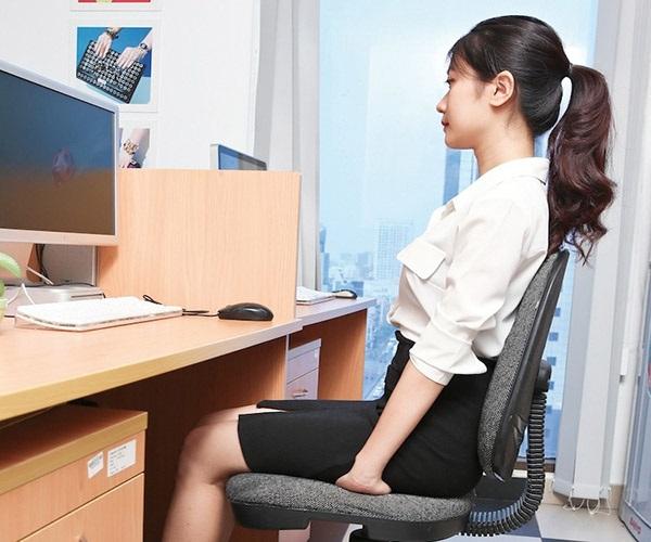 Bật mí 4 thói quen hàng ngày giúp ngực luôn căng đầy, quyến rũ - Ảnh 1