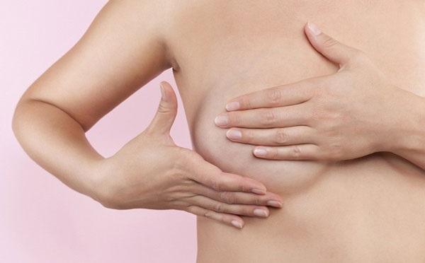 Bật mí 4 thói quen hàng ngày giúp ngực luôn căng đầy, quyến rũ - Ảnh 2