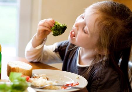 Cho con ăn đều đặn món này trẻ sẽ thông minh 'xuất sắc' mà nhiều mẹ chưa biết - Ảnh 1