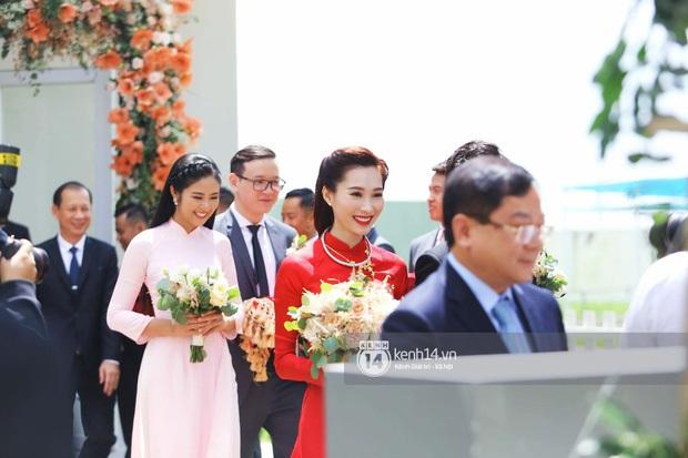 Hoa hậu Thu Thảo chính thức bước lên xe hoa theo đại gia Trung Tín
