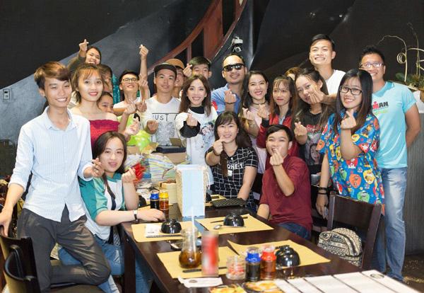 Thu Trang khóc nghẹn vì được ông xã Tiến Luật bất ngờ làm sinh nhật
