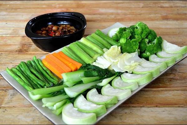 Thực đơn giảm cân sau sinh cần nhiều rau xanh