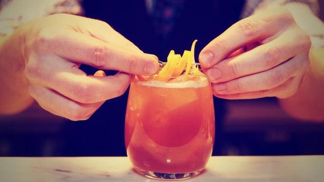 7 thói quen ăn uống này sẽ khiến bạn già nhanh đến 'chóng mặt' - Ảnh 2
