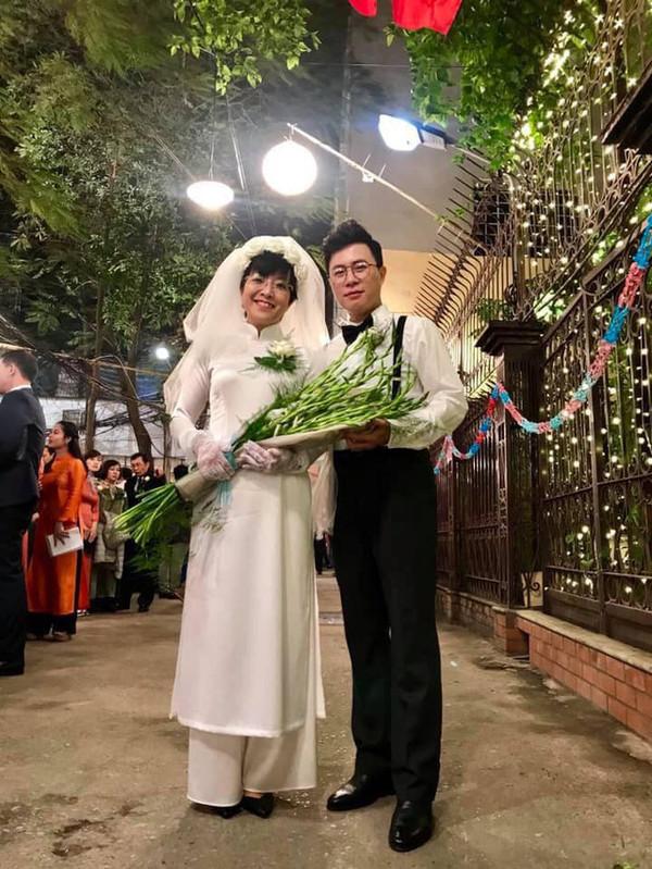 Thảo Vân tung 'ảnh cưới' với phi công trẻ, chồng cũ Công Lý bình luận khiến ai cũng bất ngờ - Ảnh 1