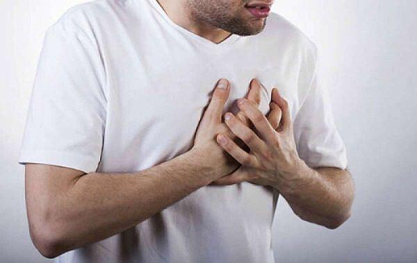 Trời lạnh, biết dấu hiệu này để cứu kịp thời người bị tim mạch - Ảnh 1