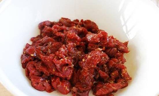 Thịt bò hầm củ cải trắng - món ngon đủ chất cho ngày lạnh - Ảnh 1
