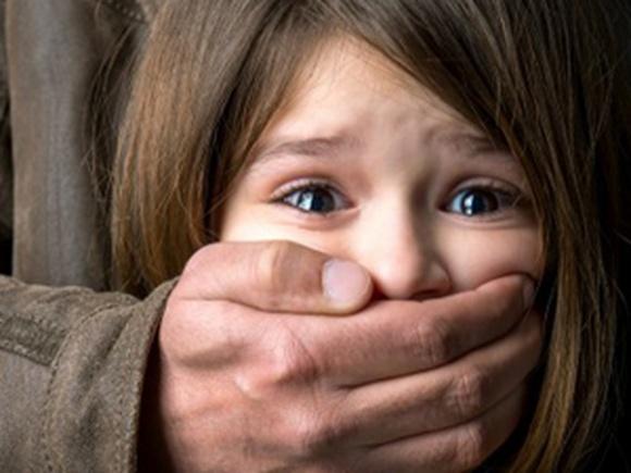 10 điều cha mẹ phải dạy con từ sớm để không sợ bắt cóc mà trẻ vẫn độc lập, an toàn - Ảnh 1