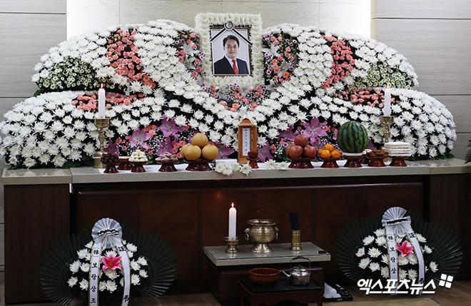 Hàng loạt nạn nhân tố Jo Min Ki quấy rối tình dục bị đe dọa tính mạng - Ảnh 1