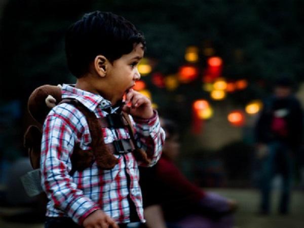 Dạy con cách xử lý thông minh khi lạc khỏi bố mẹ nơi đông người - Ảnh 1