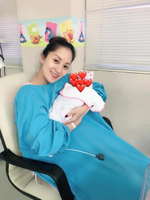 Những nhóc tỳ của sao Việt chào đời nửa đầu năm 2018 khiến cộng đồng mạng phát sốt - Ảnh 11