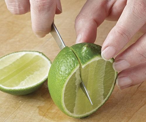 Xăm môi làm gì cho tốn kém, cứ thêm 1 giọt này vào nửa quả chanh là môi căng hồng mọng - Ảnh 3