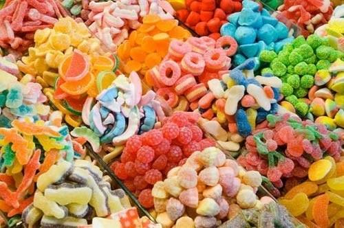 Lựa chọn mứt và bánh kẹo an toàn ngày Tết - Ảnh 2