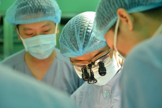 Hy hữu đi nhổ răng, bị nhiễm trùng tới tim - Ảnh 1