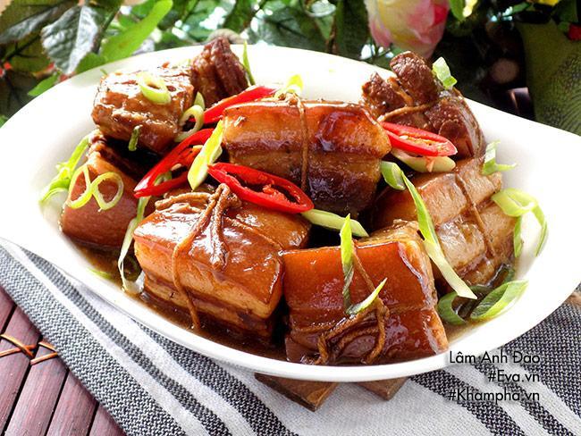 Thịt kho Đông Pha nóng hổi, mềm tan trong miệng - Ảnh 6
