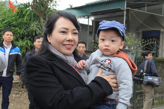 Con trai được thiếu uý ung thư nhường sự sống trong vòng tay Bộ trưởng Y tế - Ảnh 10
