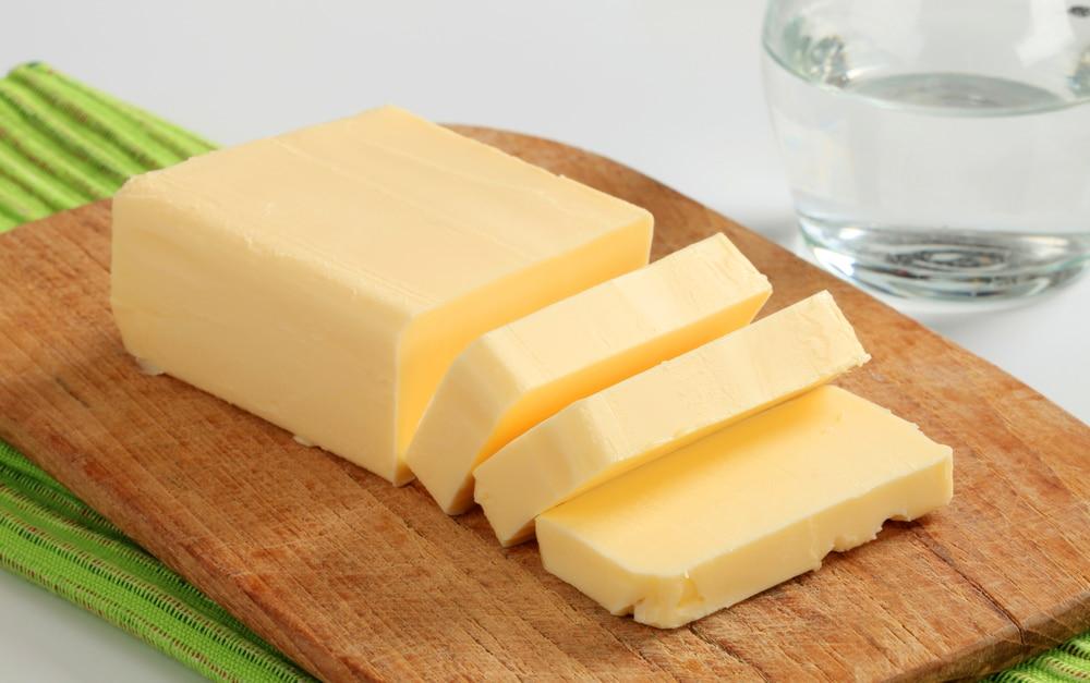 Để bơ ở nhiệt độ phòng trước khi làm bánh - Ảnh minh họa: Internet