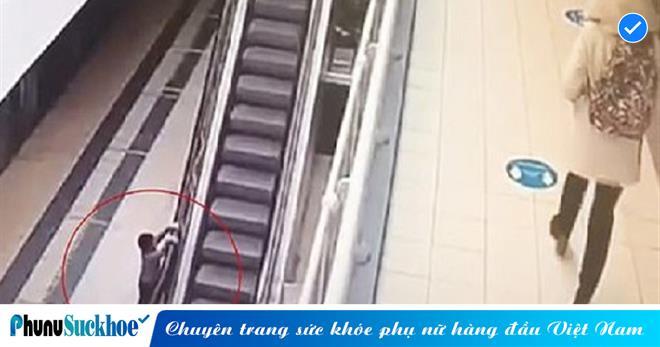 Bé trai 4 tuổi rơi xuống từ độ cao 6m do bám vào thang cuốn đang hoạt động và cái kết
