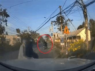 Bị giật điện thoại  iPhone 12 Pro Max, tài xế ô tô phóng xe truy đuổi như phim hành động và kết quả bất ngờ