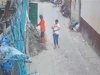 Thuê bảo mẫu trên Facebook, bà mẹ khóc ngất vì bị bắt mất con