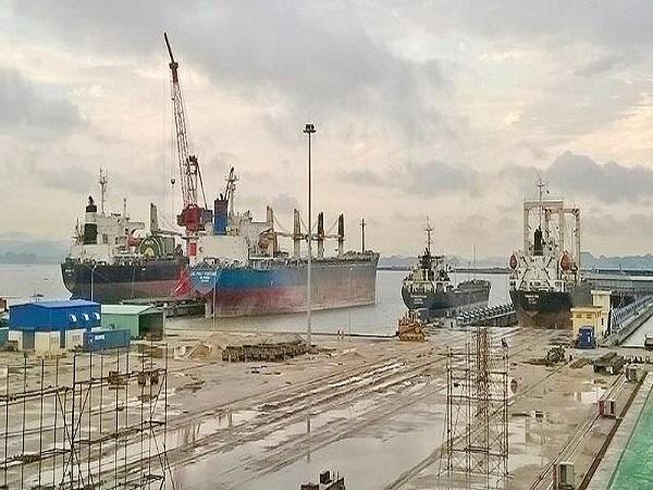 Tai nạn khi đang sửa tàu biển, 2 công nhân thiệt mạng - Ảnh 1