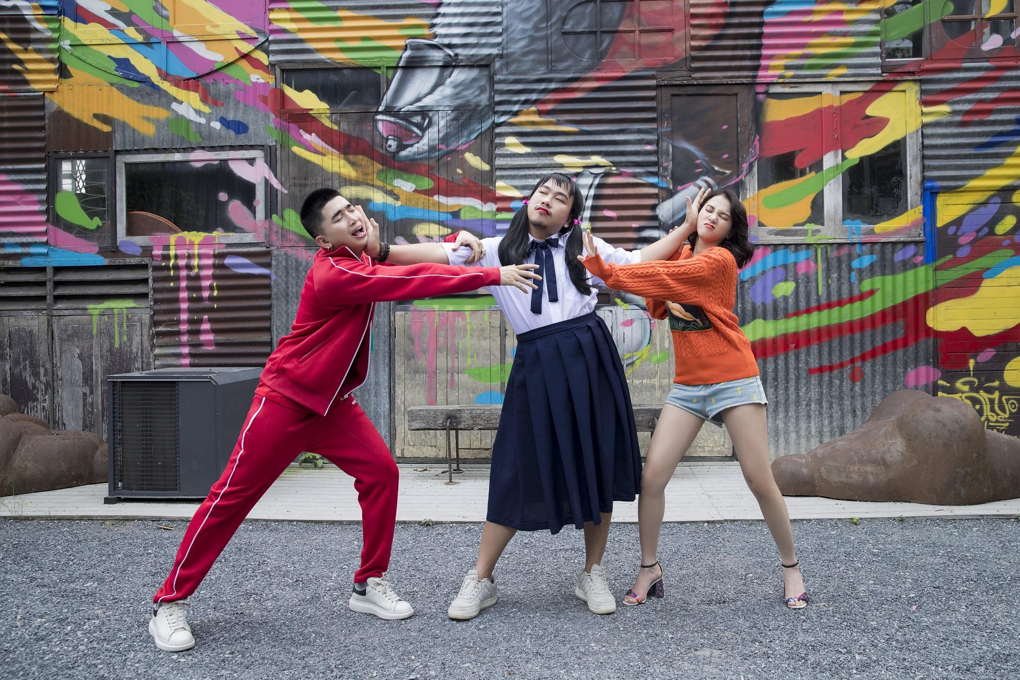 Chi Dân hé lộ hậu trường 'siêu bựa' tặng fans sau khi MV mới ra mắt được ủng hộ nhiệt tình - Ảnh 3