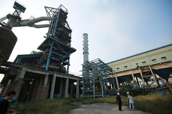 Nhà máy gang-thép Thái Nguyên được đầu tư cả ngàn tỉ đồng đến nay vẫn chỉ là đống sắt gỉ - Ảnh: NAM TRẦN