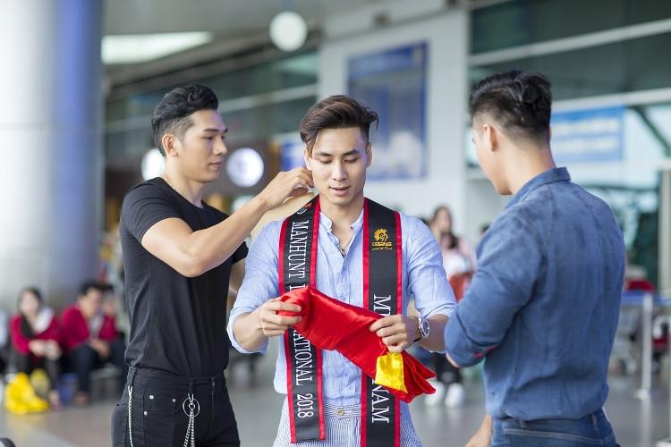 Giấc mộng hào quang và cạm bẫy tình dục đồng tính ở showbiz Việt - Ảnh 3