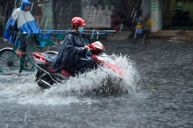 Dự báo thời tiết ngày 3/1: Các tỉnh từ Thừa Thiên - Huế trở vào tới Nam Bộ có mưa ,Bắc bộ vẫn rét đậm - Ảnh 1