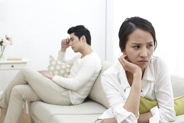 Thảng thốt với việc chồng 'tám' chuyện phòng the với bạn - Ảnh 2