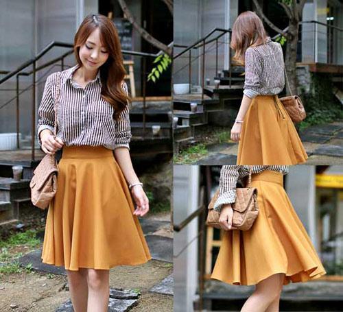 Kiểu váy ngắn được ưa chuộng trong những ngày mưa