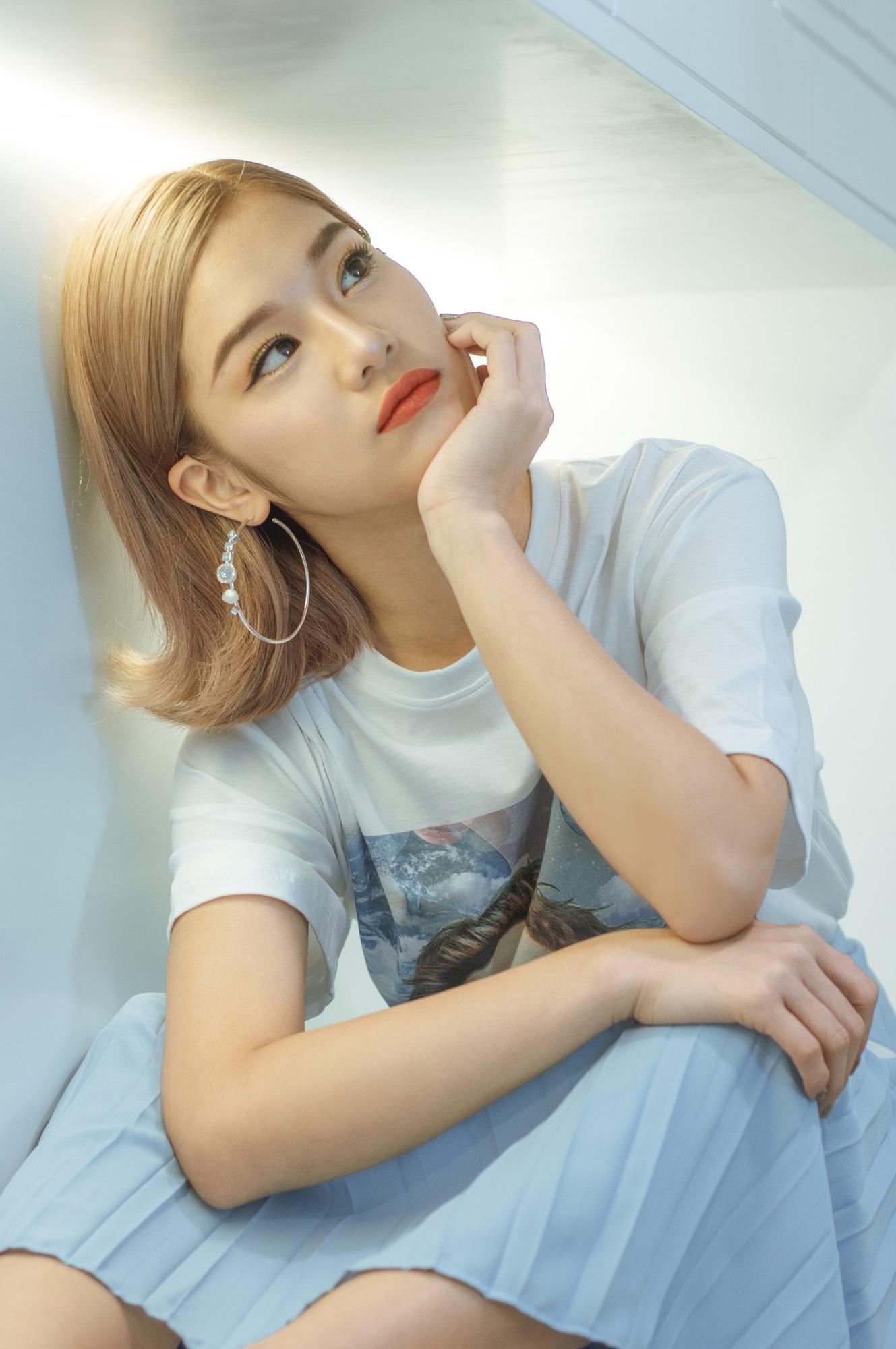 Hoàng Yến Chibi trở thành cô gái 'đa zi năng' khi 'trình làng' sáng tác đầu tay  - Ảnh 9