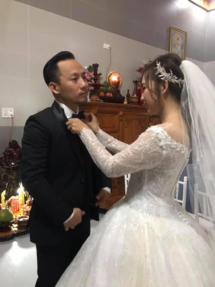 Đám cưới ngập sắc trắng của Đinh Tiến Đạt và bạn gái kém 10 tuổi  - Ảnh 4