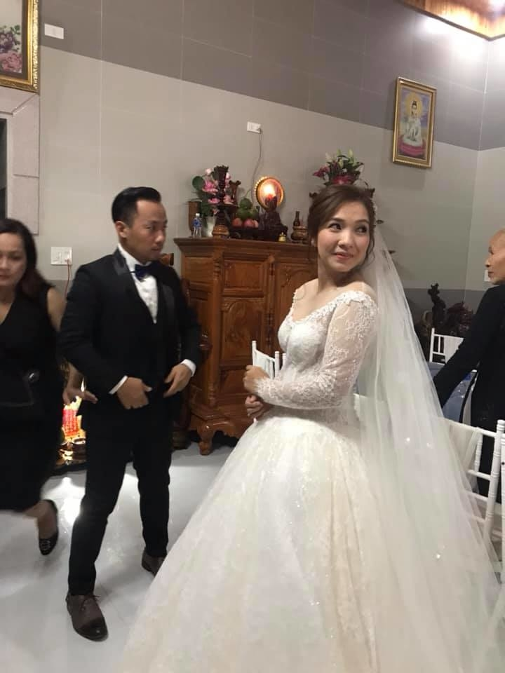 Đám cưới ngập sắc trắng của Đinh Tiến Đạt và bạn gái kém 10 tuổi  - Ảnh 5