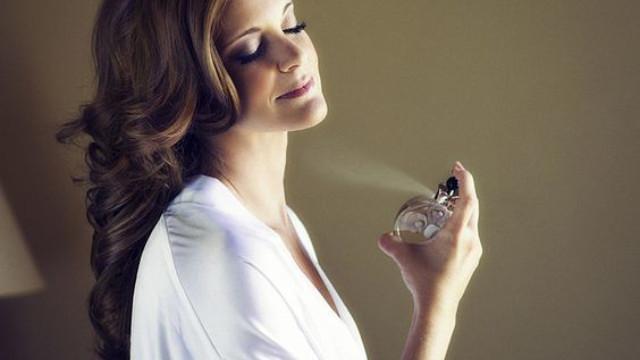 4 sai lầm phổ biến khi sử dụng nước hoa bạn phải biết - Ảnh 1