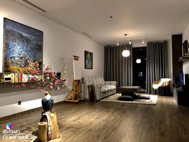 Không gian phòng khách đơn giản của nhà anh Việt Anh.