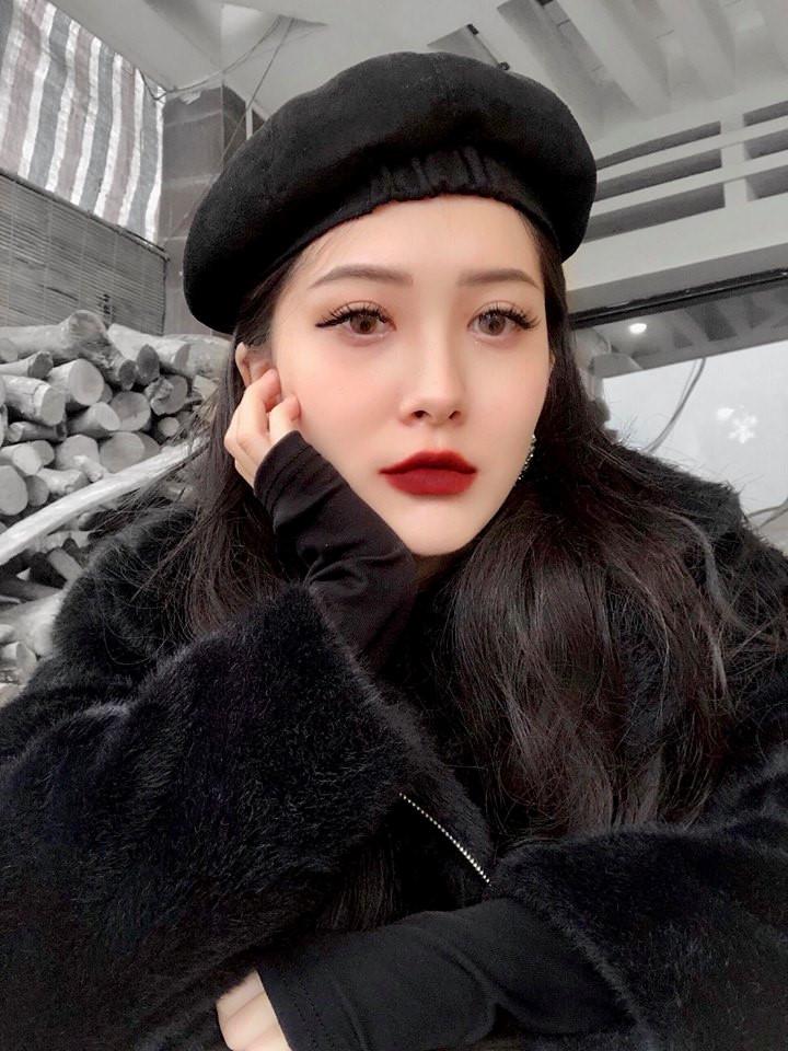Em gái Hương Tràm 'cực chất' với street style sành điệu chẳng kém cạnh mỹ nhân Vbiz - Ảnh 5