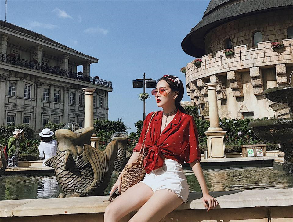 Em gái Hương Tràm 'cực chất' với street style sành điệu chẳng kém cạnh mỹ nhân Vbiz - Ảnh 2