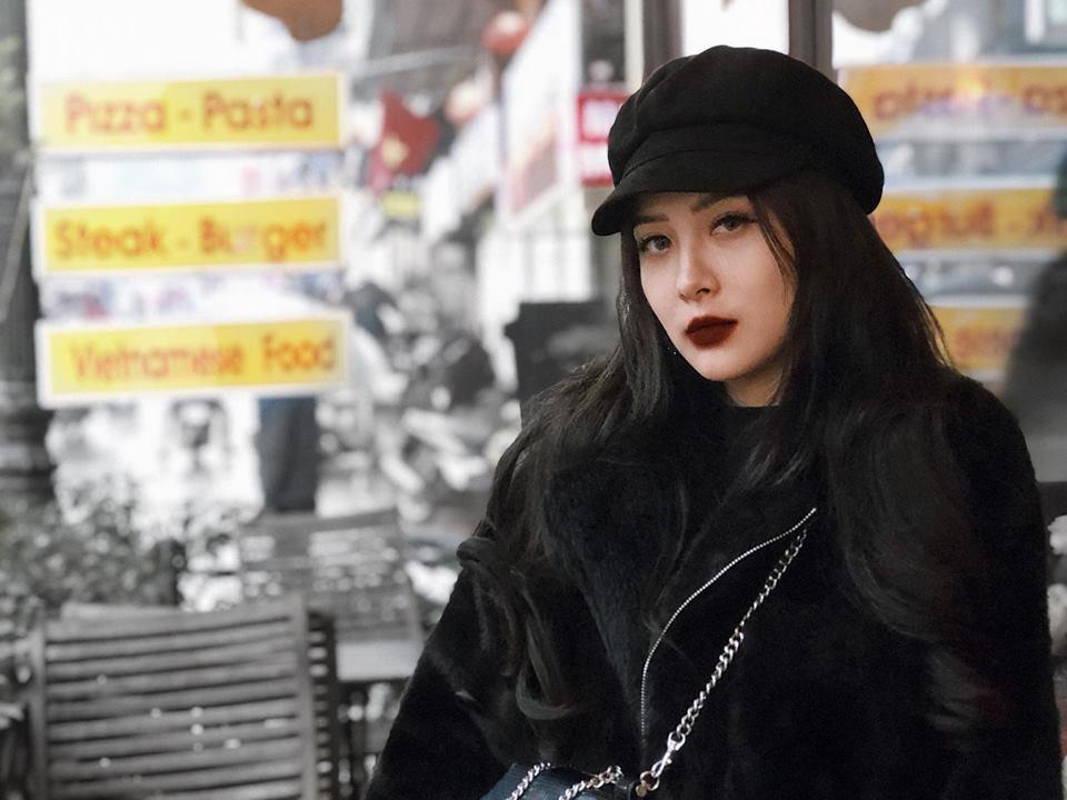 Em gái Hương Tràm 'cực chất' với street style sành điệu chẳng kém cạnh mỹ nhân Vbiz - Ảnh 3