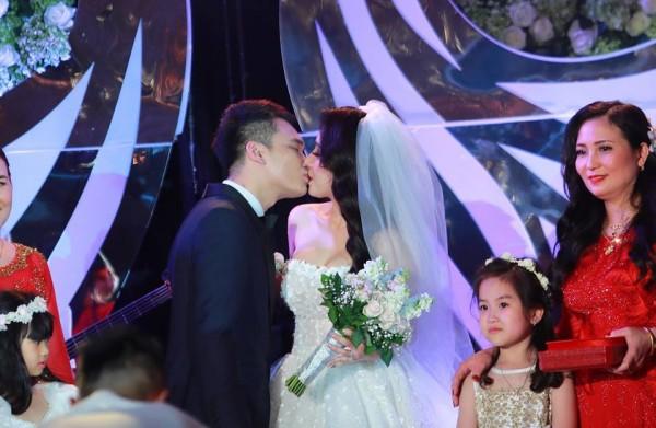 7 đám cưới đình đám, lãng mạn của sao Việt trong năm 2018 - Ảnh 11
