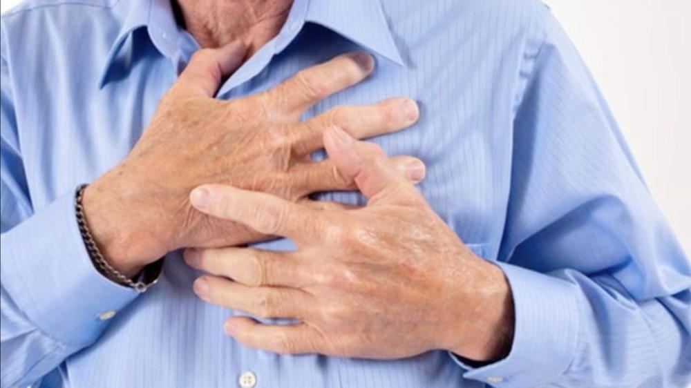 Trường hợp nam giới từ 30 tuổi trở lên, hơi béo mà thường xuyên bị hồi hộp, đánh trống ngực thì có thể mắc bệnh tim mạch do xơ vữa